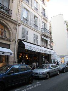 Café La Palette, na Rive Gauche, em Paris