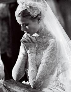 Grace Kelly de noiva. A mulher mais bonita que já pisou nesse planeta